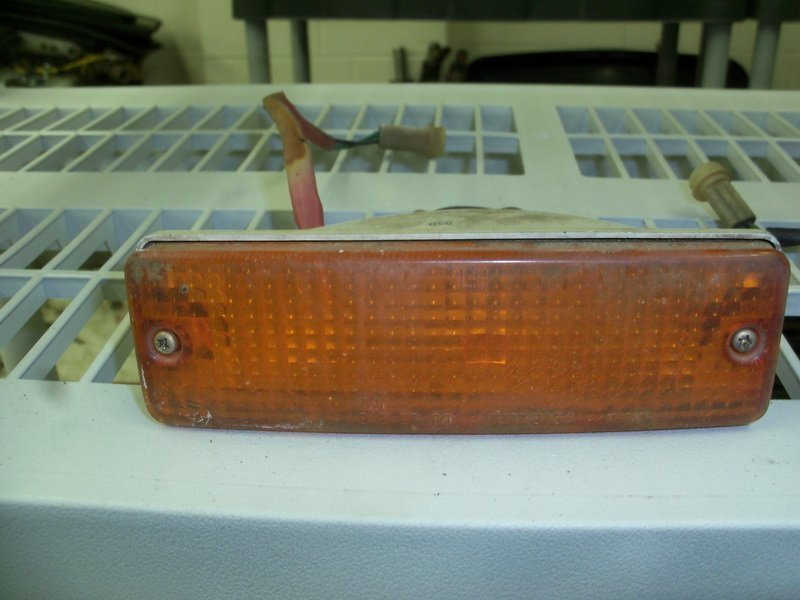 '82-83 left front turn signal