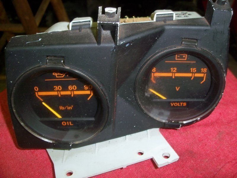 CENTER INSTRUMENT CLUSTER (ANALOG)
