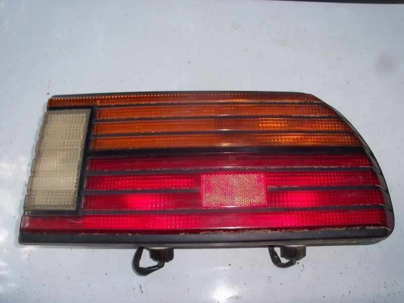'82-'83 right rear tail light